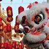 """วันขึ้นปีใหม่ของชาวจีน ปี 2558 นี้ ตรงกับวันที่ 19 กุมภาพันธ์ ในวันตรุษจีนจะมี การเฉลิมฉลองทั่วโลกสัญลักษณ์ของ วันตรุษจีน คือ """"อั่งเปา """" ซึ่งมีความหมายว่า """"กระเป๋าแดง"""" หรือจะใช้คำว่า """"แต๊ะเอีย"""" ซึ่งมีความหมายว่า """"ผูกเอว"""" ผลไม้ไหว้ วันตรุษจีน เช่น ส้ม"""