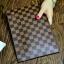 กระเป๋าสตางค์แบบซิบหน้าล๊อก/กระเป๋าคลัทช์ Louis Vuitton ลายตาราง ขนาดใหญ่ (Pre) thumbnail 1