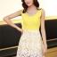 ชุดเดรสออกงานสวยๆแนวหวานสไตล์เกาหลี สีเหลือง คอกลมประดับคริสตัลสวยหรู แขนกุด เอวเข้ารูป กระโปรงผ้าลูกไม้สีขาว ซับในทั้งตัว ซิปหลัง ไซส์ M thumbnail 4