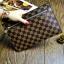 กระเป๋าสตางค์แบบซิบหน้าล๊อก/กระเป๋าคลัทช์ Louis Vuitton ลายตาราง ขนาดใหญ่ (Pre) thumbnail 2