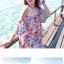 ชุดเดรสสั้นใส่เที่ยวทะเลสวยๆ โทนสีชมพูลายดอกไม้ เว้าไหล่ ทรงปล่อย thumbnail 5