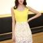 ชุดเดรสออกงานสวยๆแนวหวานสไตล์เกาหลี สีเหลือง คอกลมประดับคริสตัลสวยหรู แขนกุด เอวเข้ารูป กระโปรงผ้าลูกไม้สีขาว ซับในทั้งตัว ซิปหลัง ไซส์ M thumbnail 1
