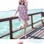 ชุดเดรสสั้นใส่เที่ยวทะเลสวยๆ โทนสีชมพูลายดอกไม้ เว้าไหล่ ทรงปล่อย thumbnail 4