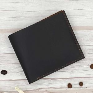 กระเป๋าสตางค์หนังแท้ บุรุษ ทรงสั้น สีน้ำตาลเข้มเกือบดำ ดีไซน์เรียบง่าย หนังนุ่มมือ