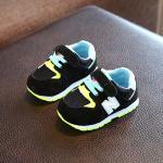 รองเท้าเด็ก รองเท้าพื้นแข็ง ทรงกีฬา N แบบเชือก (ดำ)