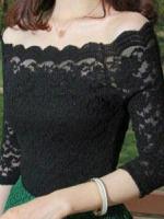 เสื้อลูกไม้สวยๆ เสื้อลายลูกไม้คอปาด สีดำ เปิดไหล่เซ็กซี่ ใส่กับผ้าถุงผ้าซิ่นได้
