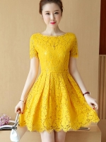ชุดเดรสลูกไม้สีเหลือง แขนสั้น ชุดผ้าลูกไม้สั้นสวยๆ น่ารักๆ แฟชั่นเกาหลี