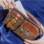 กระเป๋าคาดอกหนังแท้ สามารถคาดเอวได้ โทนสีน้ำตาลเข้ม ใส่ I-Pad mini ได้พอดี