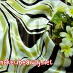 ผ้าพันคอ ผ้าคาดผมเนื้อไหมญี่ปุ่น : ลายกราฟฟิคสีเขียว