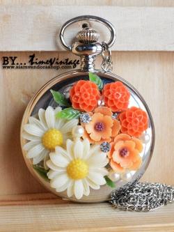 """สร้อยคอนาฬิกาประดับคริสตัลดอกไม้ 3 มิติ ระบบถ่านควอทซ์ ดีไซต์ """"Sweet Flora"""" (พร้อมส่ง)"""