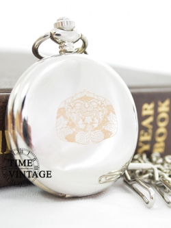 """นาฬิกาพกไทยคลาสสิคฝาทึบสีเงาเงาลาย """"หนุมานอมพลับพลา""""-Engraved Thai Hanuman Monkey God on Silver Quartz Pocket Watch"""