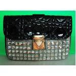 กระเป๋าหนังแก้วแบบถือหรือสะพายข้างสีดำขาวค่ะ