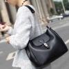 (พร้อมส่ง)กระเป๋าหนัง ทรงสวย สายโซ่+หนัง สีดำ แบรนด์ Axixi ของแท้ 100%