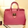 Axixibag กระเป๋าถือสีชมพูสด มีฝาล๊อคด้านหน้า พร้อมสายสะพายยาว