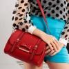 Axixibag กระเป๋าสะพายแฟชั่น สีแดง แบบฝาเปิดแต่งขอบดำพร้อมติดโบว์เล็กๆปักหมุดสีทอง