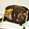 กระเป๋าสะพายแฟชั่นใบเล็กลายดอกไม้โทนสีดำ