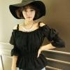 (พร้อมส่ง)เสื้อแฟชั่น น่ารัก ผ้าคอตตอน ฉลุลาย สไตล์ตุ๊กตา เปิดไหล่ สีดำ