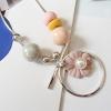 สร้อยคอแฟชั่น โทนพาสเทล แต่งดอกไม้สีชมพู