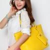 (พร้อมส่ง)กระเป๋าหนัง ใบใหญ่ ลายสาน สีเหลือง สุดฮิต แถมกระเป๋าใบเล็ก 1 ใบ แบรนด์ Axixi
