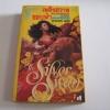 เพลิงสวาทขอบฟ้า (The Silver Swan) Susannah Leigh เขียน ดานนท์ แปล***สินค้าหมด***