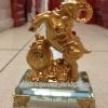 แพะทองบนฐานแก้ว(2)