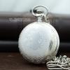 นาฬิกาพกระบบถ่านควอทซ์พร้อมฟังชั่นวันที่ (1-31) สีเงินเงาลายเถาวัลย์แบบที่ 2