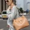 (พร้อมส่ง)กระเป๋าหนัง ทรงสวย สายโซ่+หนัง สีแอพพริคอท แบรนด์ Axixi ของแท้ 100%