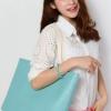 (พร้อมส่ง)กระเป๋าหนัง ใบใหญ่ สไตล์เรียบๆ สีฟ้า สุดฮิต มีกระเป๋าเล็กด้านใน 1 ใบ แบรนด์ Axixi