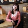 Chu ViVi เสื้อแฟชั่นแขนยาวคอวีผ้ายืดสีชมพู แต่งปกโครเชที่คอเสื้อ