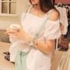 (พร้อมส่ง)เสื้อน่ารัก ผ้าคอตตอน สีขาว สไตล์สายเดี่ยว-เปิดไหล่ แขนตุ๊กตา
