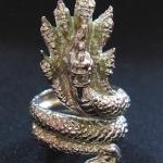 สินค้าจองค่ะ แหวนพญานาค7เศียรเนื้อทองขาว เสริมอำนาจ คุ้มครองค่ะ