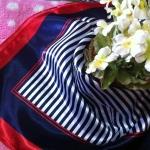 ผ้าพันคอ ผ้าคาดผมเนื้อไหมญี่ปุ่น : สีน้ำเงินขาวแดง