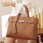 [Preorder] กระเป๋าถือแฟชั่น สี Camel Beauty 2014 luxury meticulous Animal briefcase bag new wave of female female bag Post European and American fashion handbagsNew starting the whole networkAnimal tassels