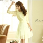 [Preorder] เดรสลูกไม้แฟชั่นแขนสามส่วนกระโปรงพลีทหวานสีเบจ Bead stitching Fence dress