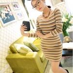 [Preorder] เดรสแฟชั่นแขนยาวลายขวางคอวี (สำหรับสาวไซส์ S และ M) สีไลท์แทน JackGrace colorful striped stretch dress three color