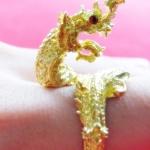 แหวนพญานาคเนื้อทองเหลืองเศียรเดียวประดับพลอยสีแดง เสริมบารมี โชคลาภค่ะ
