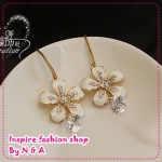 ตุ้มหูดอกไม้ประดับเพชร Love ornaments century wrinkle daisy flower earrings Korea Korea retro earrings earrings jewelry