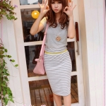 เดรสแฟชั่นแขนสั้นกระโปรงลายขวางสีเทา 2012 summer new Korean stripes spell receiving pockets hip A-shaped dress