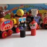 รถไฟอังปัง กับสหาย 6 ขบวน เล่นได้จริงค่ะ (เหมาะกับน้องใกล้ ๆ 3 ขวบ หรือน้องที่ชอบรถไฟ ผู้ใหญ่ควรสอนเล่นนะคะ เพราะบางทีน้องเล็กจะยังเล่นไม่เป็นค่ะ)