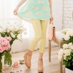 [Preorder] กางเกงขายาวแฟชั่นเข้ารูป ประดับลายปักดอกไม้เก๋ๆ แบรนด์ YOCO สีเหลือง Decorated with crocheted lace nine narrow pants