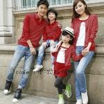 ชุดครอบครัว พ่อแม่ลูก เสื้อครอบครัวแขนยาว ลายจุดสีขาว แต่งหลอกเหมือนใส่ 2 ชิ้น สีแดง (ราคา 3 ตัว พ่อ แม่ ลูก) - pre order