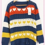 [Preorder] เสื้อกันหนาวแฟชั่นแขนยาวลายหัวใจหลากสี สีน้ำเงิน Hitz sweater Women colored stripes printing love the hollow round neck fashion sweaters