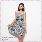 [Preorder] เดรสแฟชั่นเกาะอกลายม้าลายสีดำขาว 2012 summer new special exclusive custom vacation wind chest wrapped dress