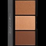 SLEEK Face Form Contour Kit สี Medium แป้งแบบ 3in1 (คอนทัวร์,ไฮไลท์,บลัช) สำหรับการตกแต่งที่ให้ออกมาดูสมบูรณ์แบบเน้นปรับแต่งโครงหน้าให้โดดเด่นยิ่งขึ้น