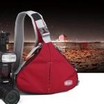 กระเป๋ากล้องสะพายหลัง สีแดง