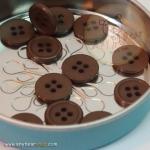 กระดุมขนาดเส้นผ่านศูนย์กลาง 14 mm. - Chocolate