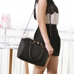 (Preorder ตค 57) MNG faux leather bow tote
