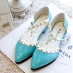 [Preorder] รองเท้าแฟชั่นส้นเตี้ยหัวแหลม สีฟ้า singles shoes summer new Korean Slim rivet perspective pointed horseshoe mosaic crystal sandals