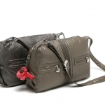 (preorder มีนาคม 58) สวยน่าใช้มากๆ KIPLING light weight waterproof casual shoulder/ messenger bag