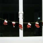 โค้งสุดท้าย Christmas ราวแขวนหมวก ถุงเท้า ถุงมือ Santa set 6 ชิ้น พร้อมไม้หนีบ เชือกยาวมากๆๆๆๆๆ ^ ^
